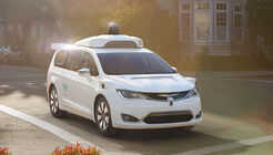 Chrysler Pacifica Hybrid Waymo autonomes Fahren
