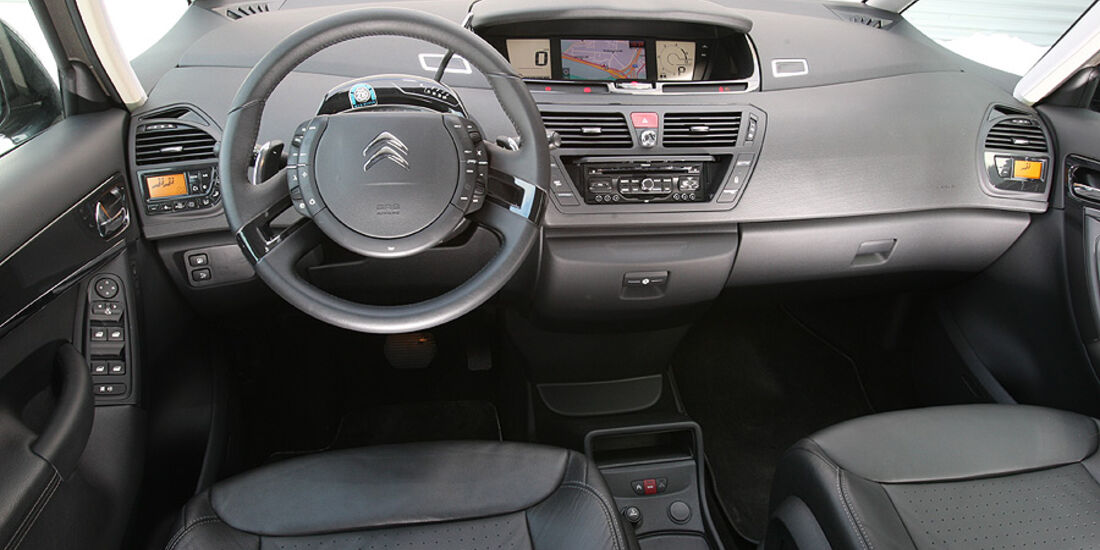 Citroen C4 Grand Picasso HDi 165, Cockpit
