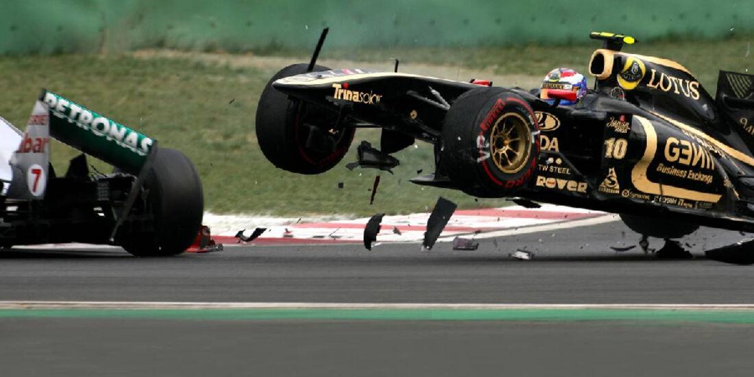 Crash Michael Schumacher Vitaly Petrov - Formel 1 - GP Korea - 16. Oktober 2015