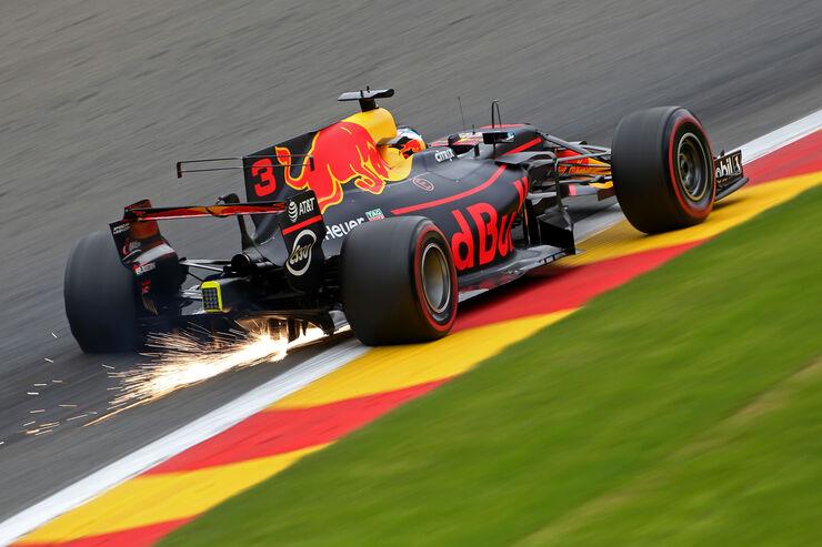 https://imgr4.auto-motor-und-sport.de/Daniel-Ricciardo-Red-Bull-GP-Belgien-Spa-Francorchamps-Formel-1-25-August-2017-fotoshowBig-32cc2ad7-1113576.jpg