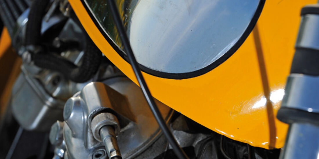 Ducati 350 Scrambler, Detail, Tank