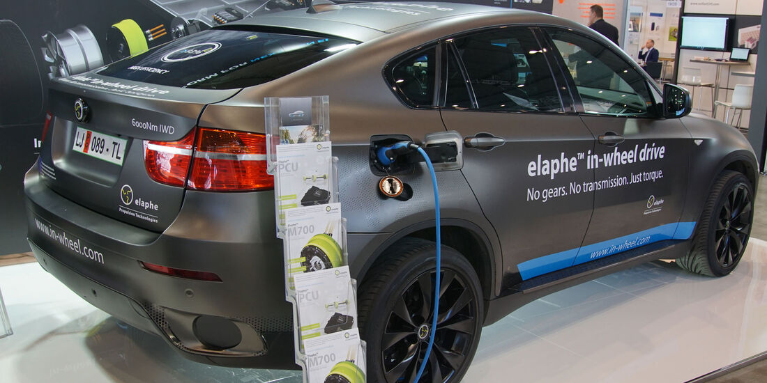 Elaphe In-Wheel Motors - BMW X6 - Electric Vehicle Symposium 2017 - Stuttgart - Messe - EVS30