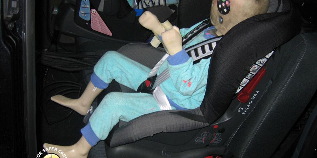 EuroNCAP-Crashtest, Ford Grand C-Max, Kindersitz-Crashtest