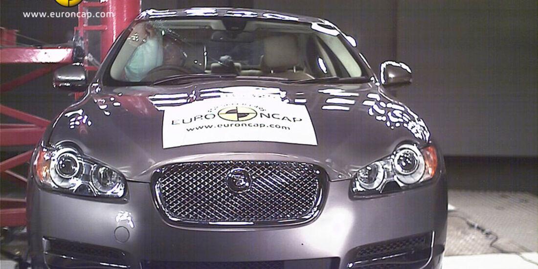 EuroNCAP-Crashtest, Jaguar XF, Pfahl-Crashtest