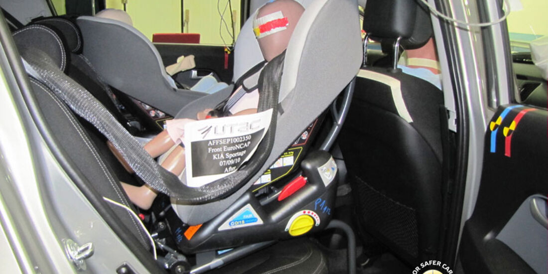 EuroNCAP-Crashtest, Kia Sportage, Kindersitz-Crashtest