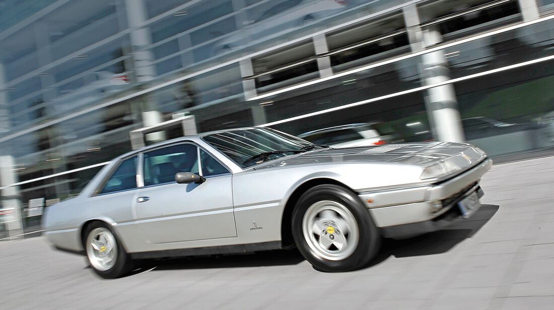 Ferrari 412, Seitenansicht