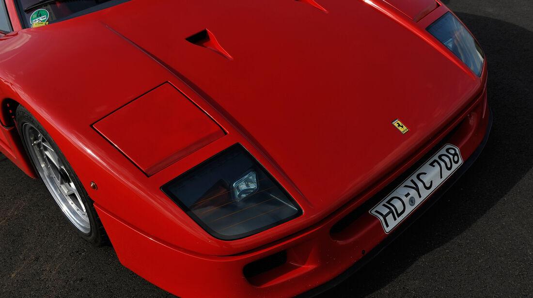 Ferrari F40, Motorhaube