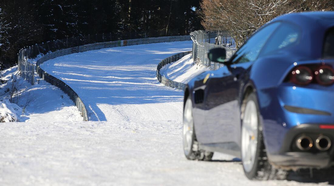 Ferrari GTC4 Lusso, Seitenführung