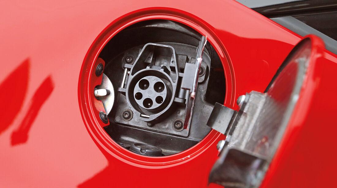 Ferrari LaFerrari, Tankstutzen