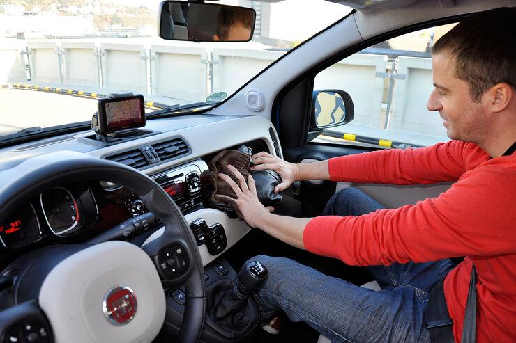 Neuer fiat panda im innenraum check auto motor und sport for Auto innenraum