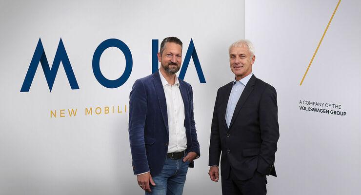 Florian Harms (links), CEO von MOIA und Matthias Müller, Vorstandsvorsitzender von VW