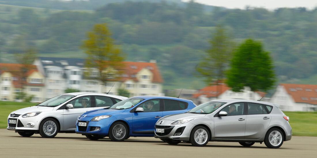 Ford Focus 1.6 ECOBOOST, Mazda 3 2.0 MZR i-STOP, Renault Megane TCe 130, alle Fahrzeuge, Seitenansicht