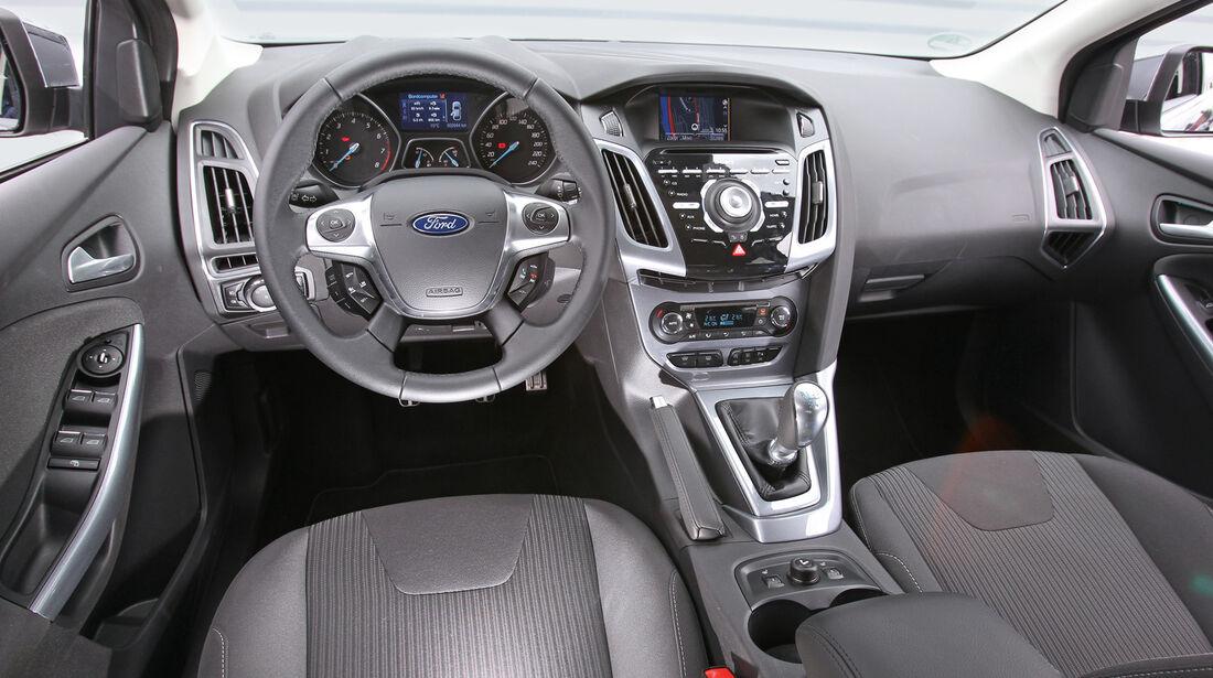 Ford Focus 1.6 Ecoboost, Cockpit, Lenkrad
