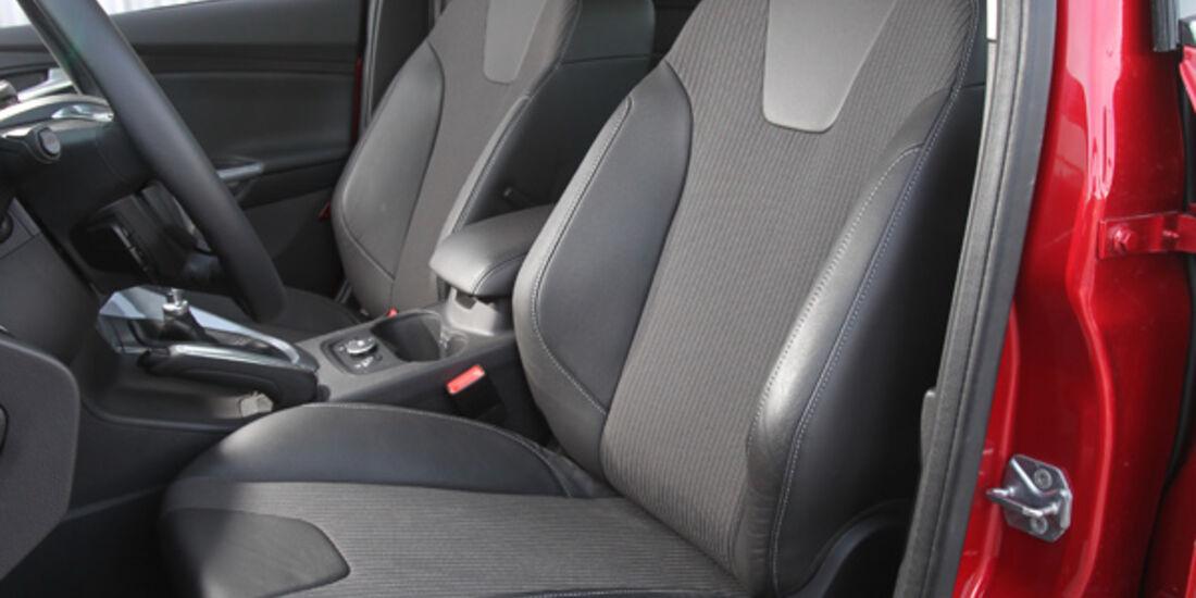 Ford Focus 1.6 Ecoboost, Frontsitze