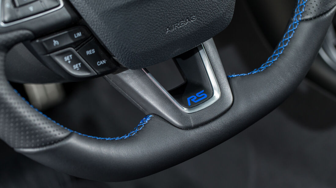 Ford Focus RS, Lenkrad, Detail