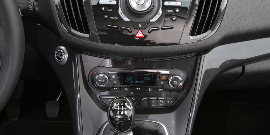 Ford Kuga 2.0 TDCi 4x4, Mittelkonsole