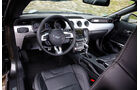Ford Mustang 2.3 Ecoboost Fastback, Cockpit