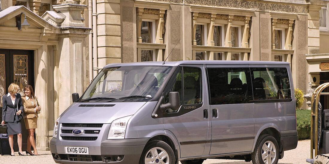 Ford Transit Tourneo, Seitenansicht