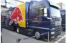 Formel 1-Test, Barcelona, 23.2.2012, Red Bull-Bus