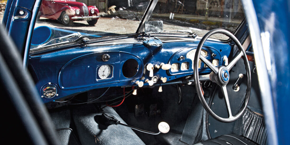 Frazer Nash BMW 327/28, Cockpit