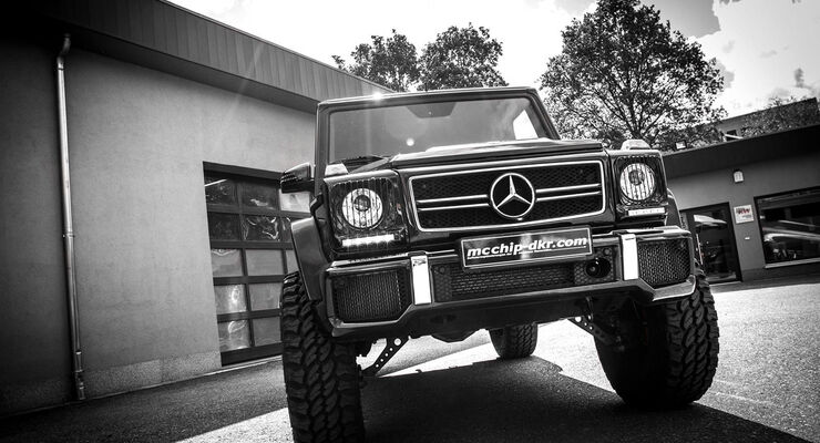 G63 AMG by mcchip-dkr, Front
