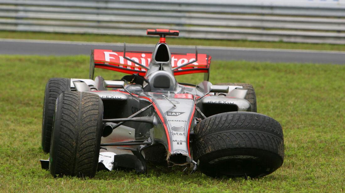 GP Ungarn 2006 Räikkönen Crash