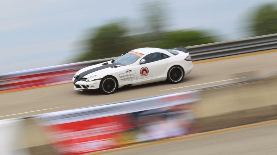 Highspeed-Test, Nardo, ams1511, 391km/h, MKB Mercedes SLR McLaren, Seitenansicht, Steilkurve