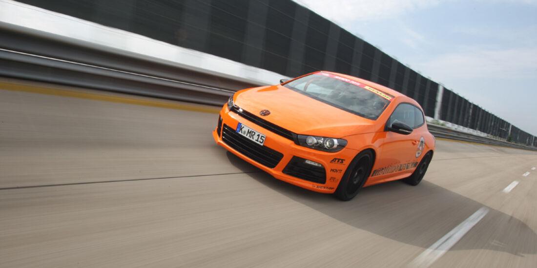 Highspeed-Test, Nardo, ams1511, 391km/h, Mathilda VW Scirocco R, Frontansicht, Steilkurve