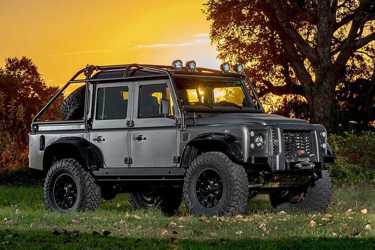 Himalaya Land Rover Defender Spectre V8
