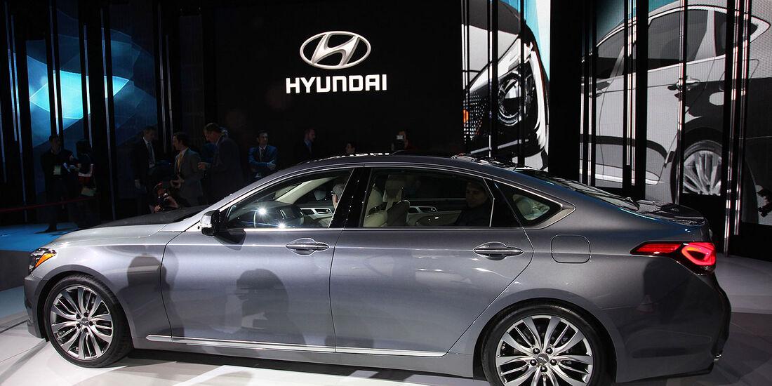 Hyundai Genesis Detroit Motor Show 2014