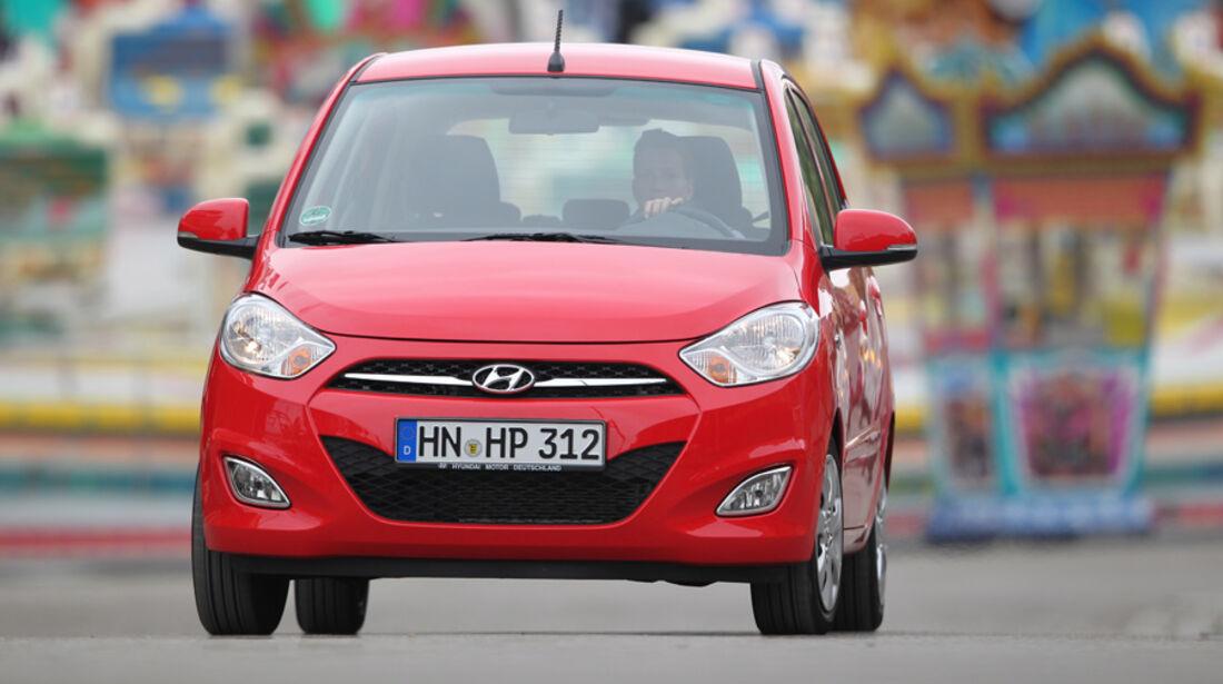 Hyundai i10 1.1 Style, Frontansicht, Fahrt