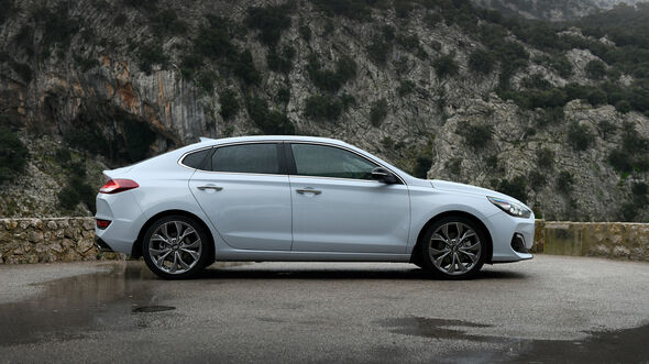 Hyundai i30 Fastback 1.4 T-GDI Premium Fahrbericht Mallorca 2017
