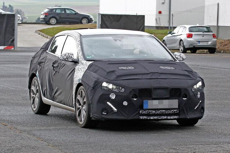 Hyundai i30 Fastback Erlkönig