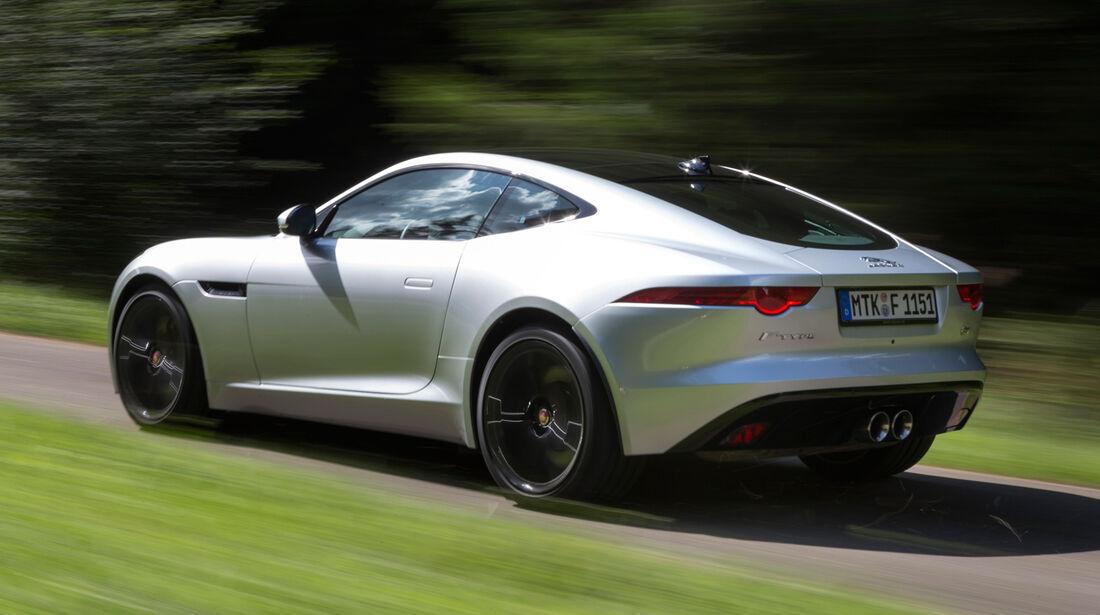 Jaguar F-Type Coupé S, Heckansicht