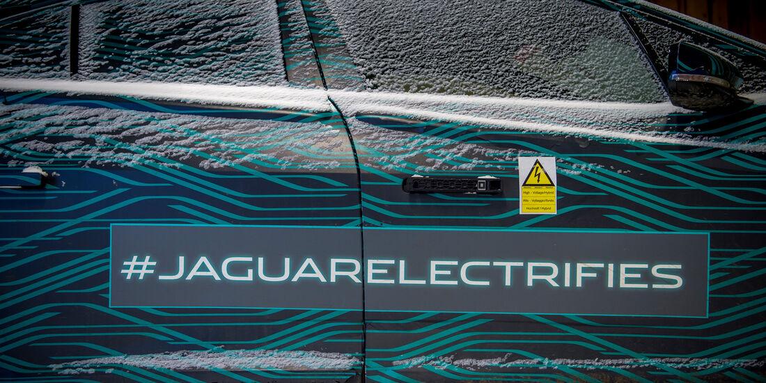 Jaguar I-Pace getarnt Schnee Fahrbericht 2018