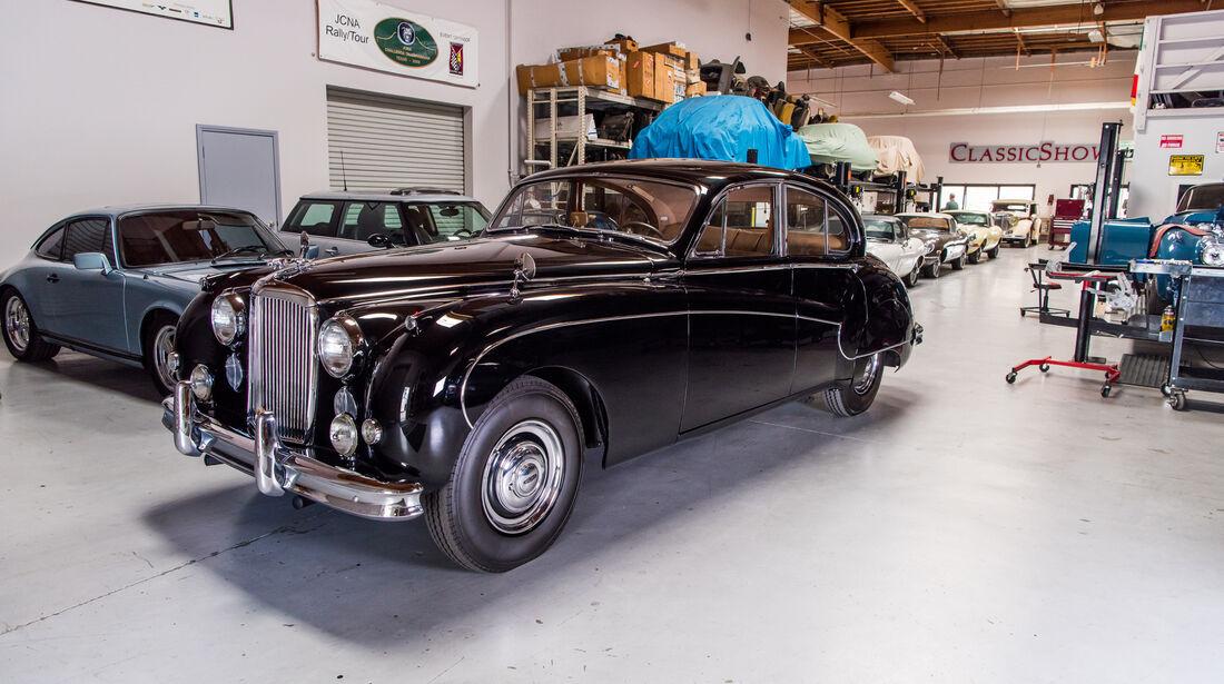 Jaguar Mark IX, Seitenansicht