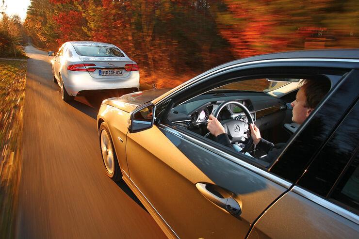 Jaguar XF 2.2 D, Mercedes E 220 CDI