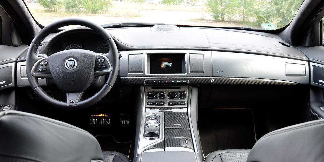 Jaguar XFR, Innenraum, Cockpit, Lenkrad