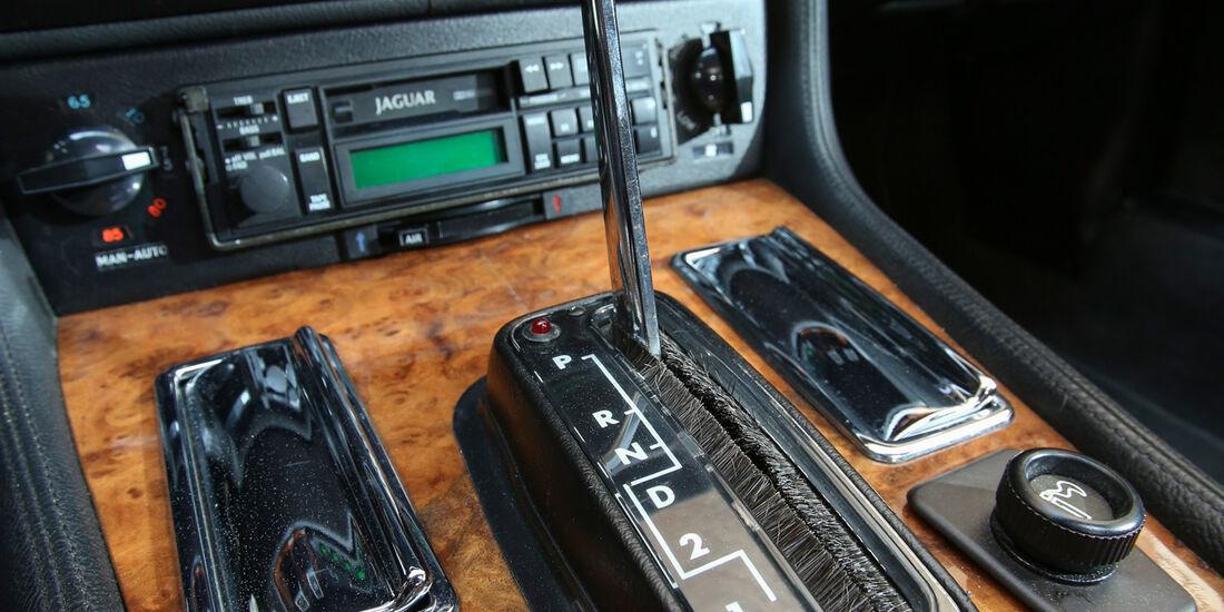 Jaguar XJ-S, Mittelkonsole