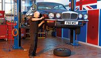 Jaguar XJ6, Frontansicht, Hebebühne