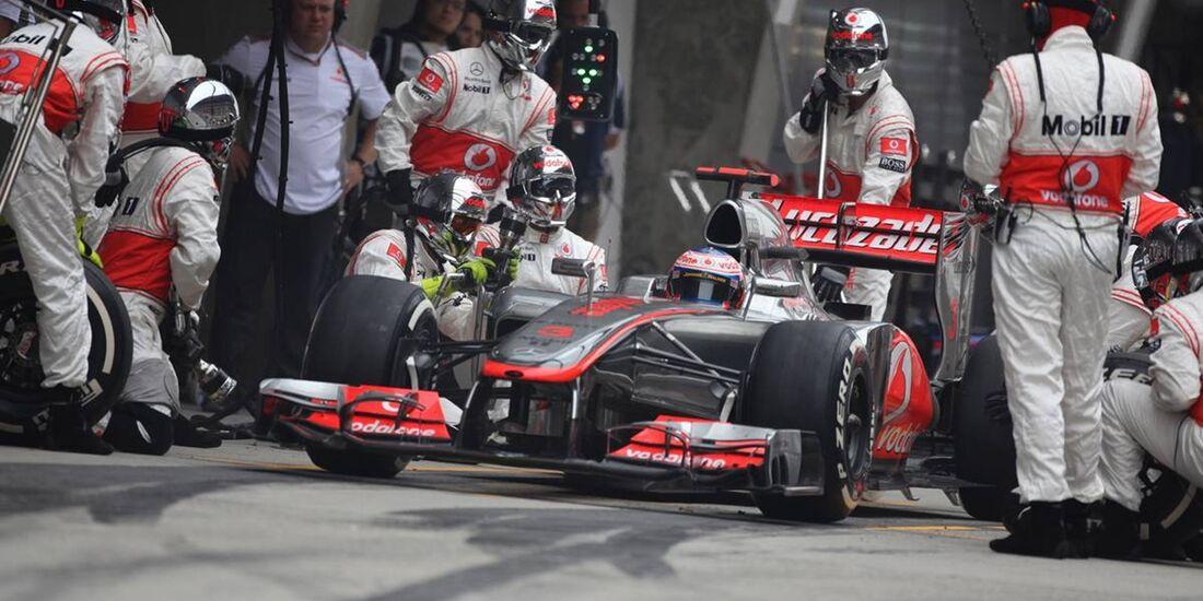 Jenson Button Boxenstopp  - Formel 1 - GP China - 15. April 2012