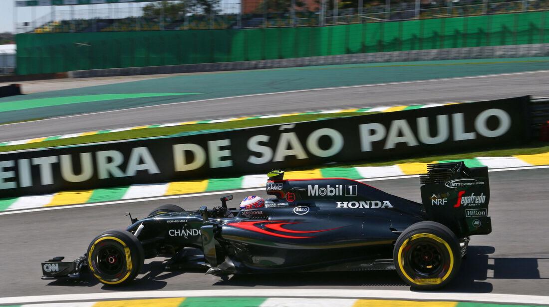 Jenson Button - McLaren - GP Brasilien - Interlagos - Freitag - 11.11.2016