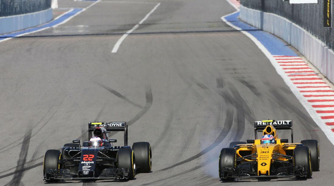 Jolyon Palmer - Jenson Button - Formel 1 - GP Russland - 1. Mai 2016