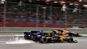 Jolyon Palmer - Marcus Ericsson - Fernando Alonso - GP Bahrain 2017 - Formel 1
