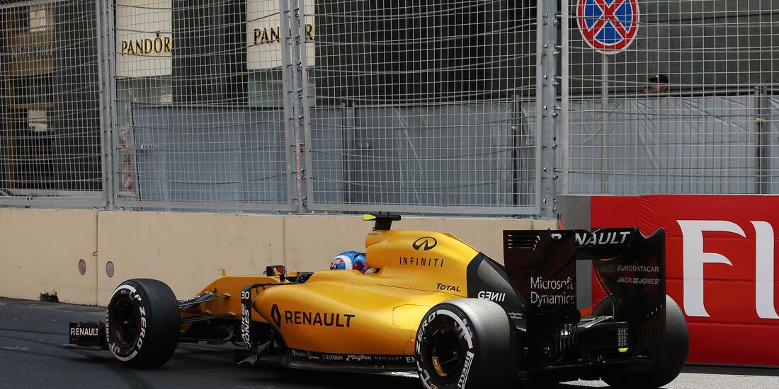 Jolyon Palmer - Renault - Formel 1 - GP Aserbaidschan - Baku - 18. Juni 2016ni 2016