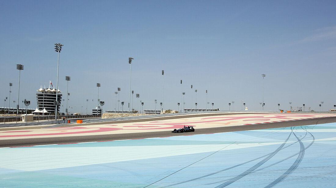 Kevin Magnussen - McLaren - Formel 1 - Test - Bahrain . 27. Februar 2014