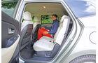 Kia Carens 2.0 GDI, Rücksitz, Beinfreiheit