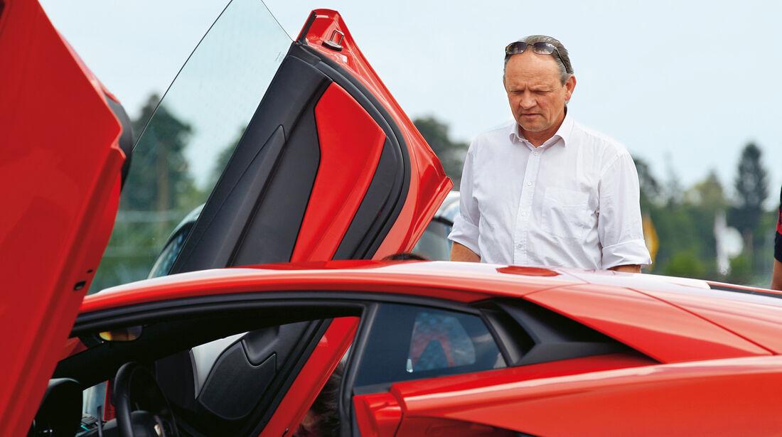 Lamborghini Aventador LP 700-4, Scherentüren