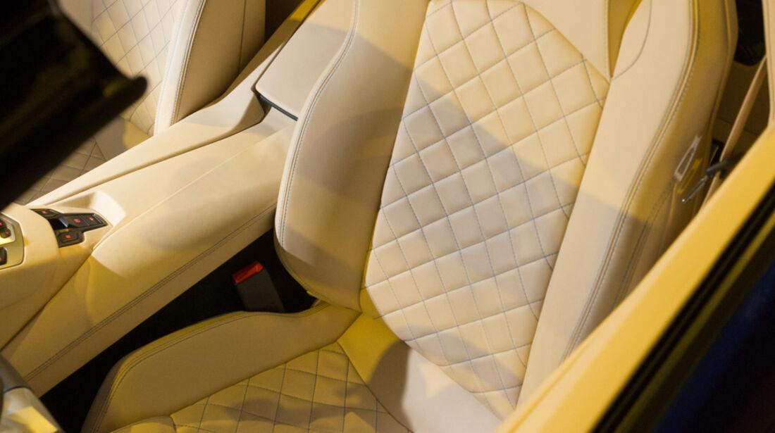 Lamborghini Aventador Roadster, Fahrersitz