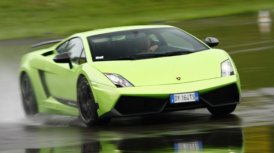 Lamborghini Gallardo LP 570-4 Superleggera, Frontansicht, Regenstrecke